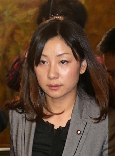 辞職願を提出した小林由佳・堺市議(平成27年11月撮影)