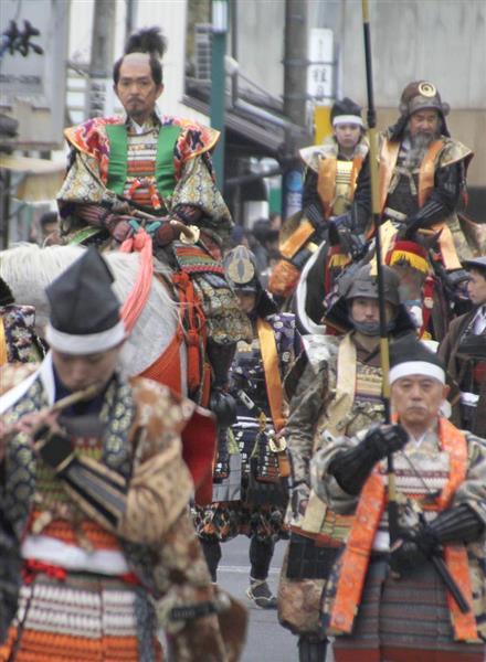 松江城周辺を彩る武者行列