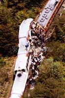 【平成の記憶】信楽高原鉄道事故 ハの字にせり上がった先頭車両、死者42人…新録に包まれ…