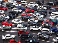 渋滞に1台の自律走行車でクルマの流れがスムーズに 米ミシガン大学が発表