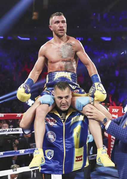 ボクシング】ロマチェンコが右肩...
