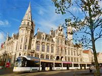 【江藤詩文の世界鉄道旅】ベルギーの旅(3)トラム&クルーズから鑑賞する美しい中世の街が…