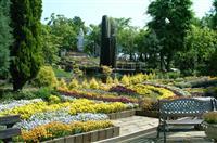 【日本再発見 たびを楽しむ】指で触って匂い嗅いで~ハーブ庭園旅日記(山梨県甲州市)