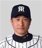 阪神スコアラー、スカート内盗撮疑いで逮捕 「後ろ姿撮ろうとしたら風でスカートがめくれ上…