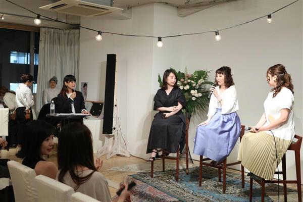 5月末に開かれたチュールのイベントでは、「卒花」によるトークショーも行われた=東京都目黒区