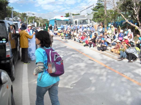 米軍北部訓練場の「N1ゲート」前。かつて移設反対派が集まった平成28年9月の光景=沖縄県東村高江(杉本康士撮影)