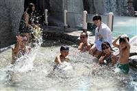 夏本番 シェラトン・グランデ・トーキョーベイ・ホテルでプール開き