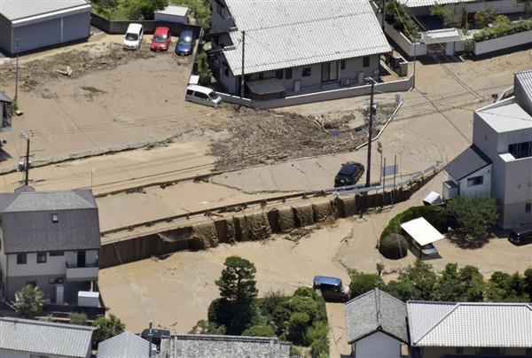 西日本豪雨】広島・府中町で榎川が氾濫、流木が原因か、川のカーブや橋 ...