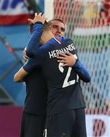 【ロシアW杯】フランス結束し決勝へ 個性派集団が1点守り抜く