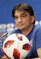 【ロシアW杯】クロアチアは赤白チェックで決勝 フランスは全て紺