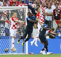 【ロシアW杯】決勝速報(2)フランスがオウンゴールで先制