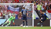 【ロシアW杯】決勝速報(4)フランスが勝ち越し、グリーズマンがPK決める