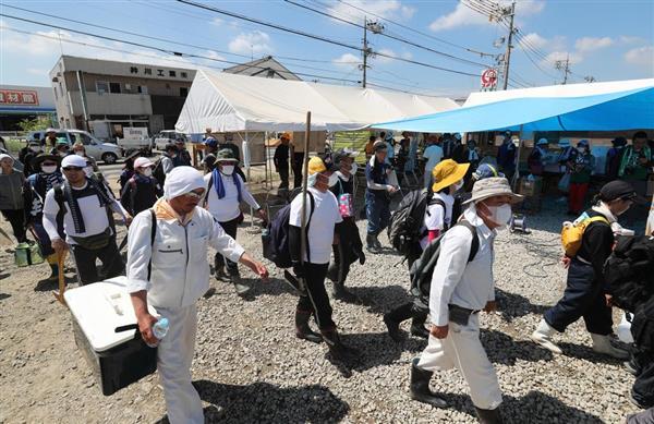 【西日本豪雨】夏休みの学生ボランティア被災地へ続々…「少しでも力に」(1/2ページ) - 産経ニュース