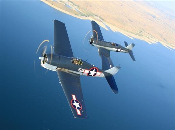 いまも飛ぶ大戦機 第二次大戦で最も優れた戦闘機は 米海軍の 偉大