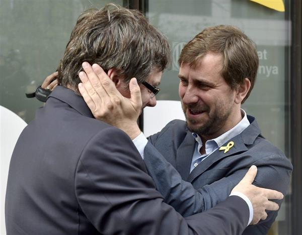 カタルーニャ前州首相、ブリュッ...