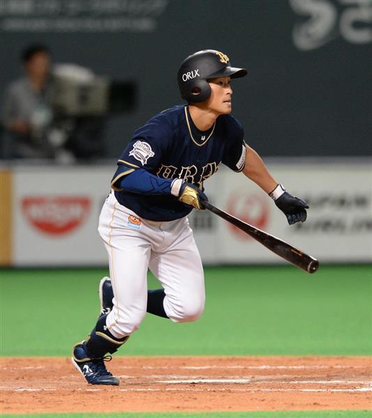 日本ハム対オリックス 9回、適時打を放つオリックスの福田周平=29日、札幌ドーム(撮影・野口隆史)