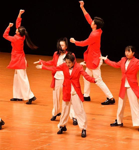 日本高校ダンス部選手権九州大会のスモールクラスに出場した第一薬科大付=福岡市博多区