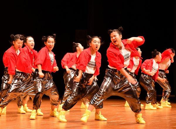 日本高校ダンス部選手権九州大会のスモールクラスに出場した福岡県立福岡中央高=福岡市博多区