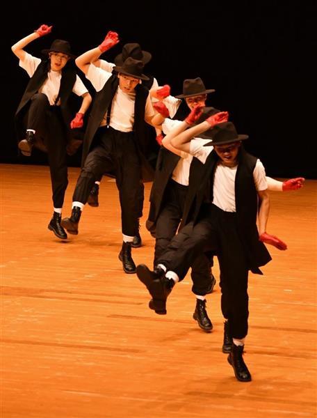 日本高校ダンス部選手権九州大会のスモールクラスに出場した柳川高=福岡市博多区