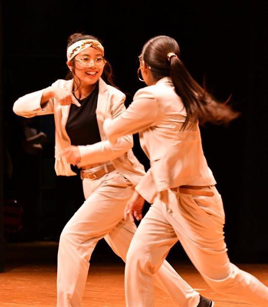 日本高校ダンス部選手権九州大会のスモールクラスに出場した高稜高=福岡市博多区
