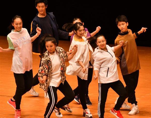 日本高校ダンス部選手権九州大会のビッククラスに出場した福岡市立博多工業高校=福岡市博多区