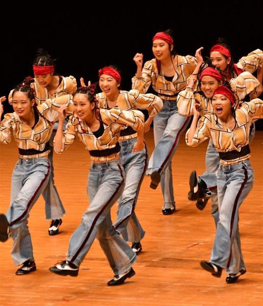 日本高校ダンス部選手権九州大会のスモールクラスに出場した常磐高=福岡市博多区