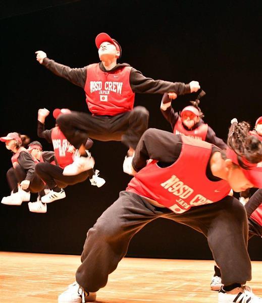 日本高校ダンス部選手権九州大会のビッククラスで3位入賞した北九州市立高=福岡市博多区