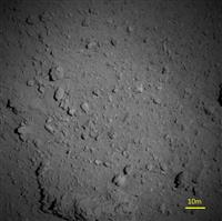 【探査機はやぶさ2】小惑星リュウグウの地表、やっぱり岩だらけ 上空1キロから撮影