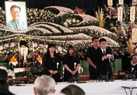 翁長雄志氏告別式 辺野古移設反対「県民1つになること課題」