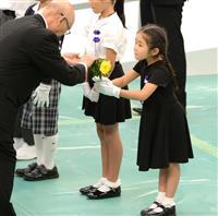 【最後の「8・15」】「ひいおじいちゃんのため」 追悼式に臨んだ6歳女児