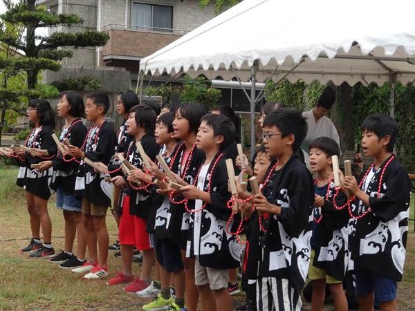 だんじり唄を奉納する都志小学校の児童=兵庫県洲本市
