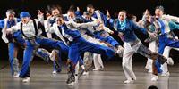 【日本高校ダンス部選手権】女子のみで挑んだ大阪府立摂津、女性らしい腰使い意識しセクシー…
