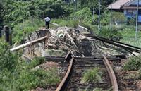 【西日本豪雨】続く鉄道網の寸断 貨物列車も運休、代替輸送能力は被災前の13%…赤字路線…