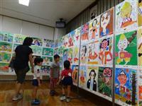 「淡路人形」鮮やかに 南あわじで児童の絵画展示