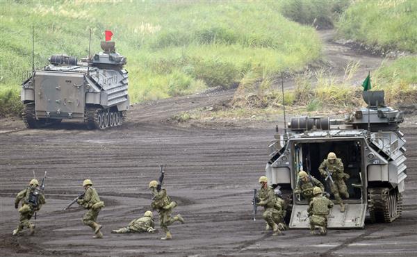 陸自最大の射撃訓練「富士総合火...
