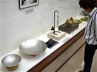 平安の技術駆使した逸品 神戸で明珍宗理さん作品展
