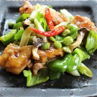 【料理と酒】お酢の利いた甘辛ソース 鶏肉と枝豆の炒め