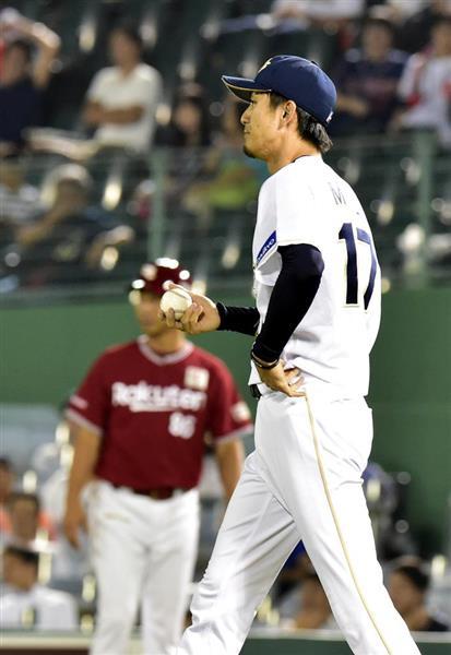九回、打者・ウィーラーにオリックス・増井浩俊が悪送球で1点を勝ち越される=5日、ほっともっとフィールド神戸(林俊志撮影)