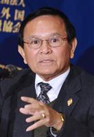 与党が議席独占のカンボジア、野党指導者を1年ぶりに保釈
