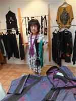 手編みのマフラーなど展示 洲本で「手しごと大好き 二人展」