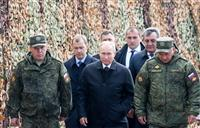 プーチン大統領、軍事演習視察へ現地到着 中国と合同、冷戦後最大