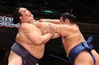 稀勢の里が6勝目 大相撲秋場所