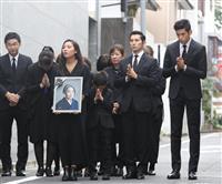 【樹木希林さん死去】関係者に悲しみ広がる 家族に見守られ出棺
