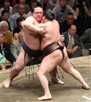 【大相撲秋場所】注目の横綱対決は白鵬に軍配 寄り切りで稀勢の里破る