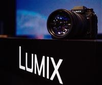パナ、ミラーレス「ルミックス」最高級機種開発を発表 フルサイズ、プロ仕様市場参入でブラ…