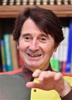 【話の肖像画】数学者・大道芸人 ピーター・フランクル(5) 日本人には知的消費を重視す…