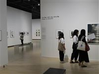 【大人の遠足】驚き「何これ?」作品に会話弾む 東京・目黒区 東京都写真美術館「夢のかけ…