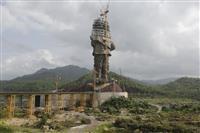 インドで完成間近、独立功労者の巨大像 世界一の高さ実現も…工事を中国企業が担当、野党が…