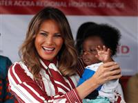 メラニア米大統領夫人、単独でアフリカ歴訪開始