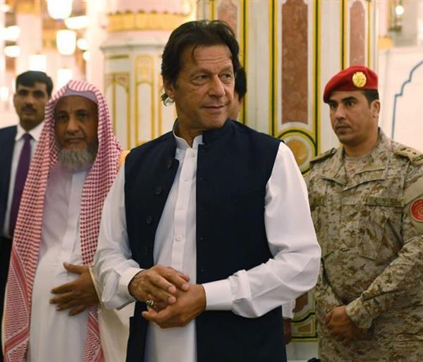 パキスタンのカーン首相(AP)